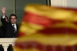 Catalan Leader Mas Calls Snap Elect