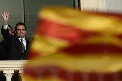 Catalan Leader Mas Calls Snap Elect